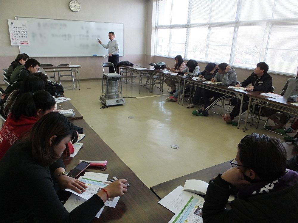 長谷川先生国際講義(ぼかし)200612.jpg